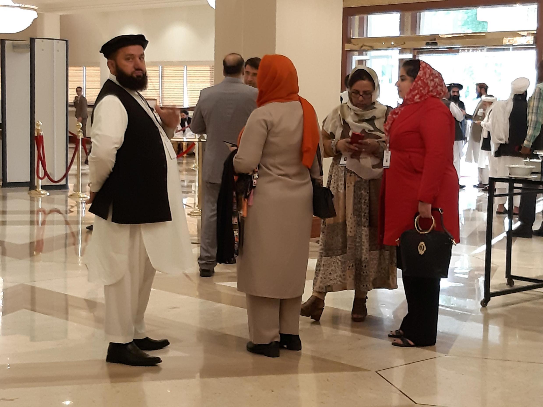 阿富汗國內代表團成員在多哈 2019年7月8日 周一 Members of Afghan delagations are seen during the second day of Intra-Afghan conference for peace in Doha, Qatar July 8, 2019.