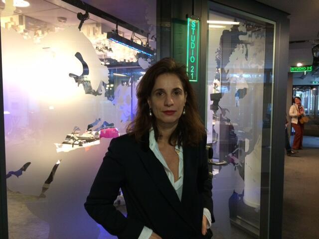 """Izabella Borges, diretora da coleção """"Brésil"""" na editora francesa Envolume"""