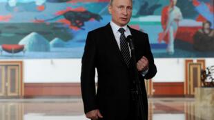 «У Путина нет конкурентов», — пишет газета Le Monde.