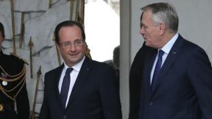 Tổng thống Pháp François Hollande và Thủ tướng Jean-Marc Ayrault (REUTERS /G. Fuentes)