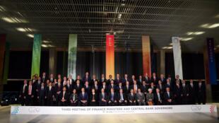 Foto de família dos ministros das Finanças e de presidentes de Bancos Centrais do G20, em Buenos Aires.