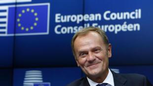 Nommé pour un mandat de 2 ans et demi renouvelable une fois, Donald Tusk entrera officiellement en fonction le 1er décembre.