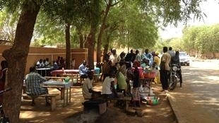 Un restaurant de rue à Niamey (Photo d'illustration).