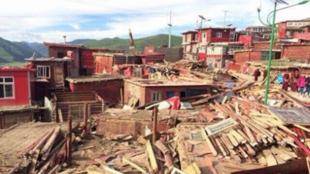 Cảnh phá hủy ở Larung Gar, trung tâm Phật giáo Tây Tạng lớn nhất thế giới. Ảnh ngày 21/07/2016.