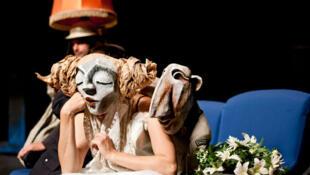 Micaëla et Don José dans Une Carmen en Turaquie