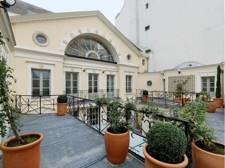 Casa de Gérard Depardieu em Paris, que está à venda por cerca de 50 milhões de euros.