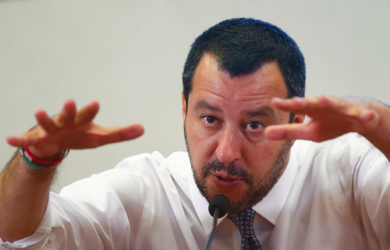 Le ministre italien de l'Intérieur Matteo Salvini lors d'une conférence de presse à Rome, après son retour de Libye où il s'est rendu dans la journée, le 25 juin 2018.