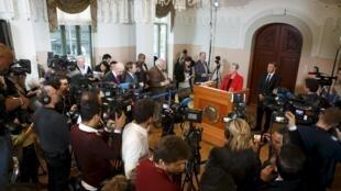 La présidente du comité Nobel annonce que le quartet tunisien est lauréat du prix de la paix 2015, le 8 octobre à Oslo.