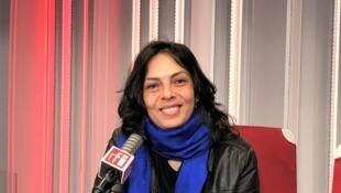 L'écrivaine Jennifer Richard en studio à RFI (février 2021).