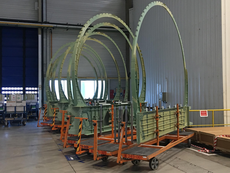 Именно в Нанте производят самый важный сегмент фюзеляжа самолетов Airbus.