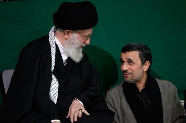 محمود احمدینژاد در کنار آیتالله علی خامنهای