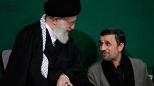 آیتالله علی خامنهای رهبر جمهوری اسلامی ایران و  محمود احمدینژاد رئیس پیشین جمهوری اسلامی