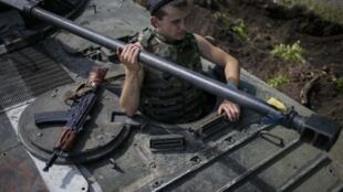 Украинский военный у села Константиновка, 10 июля 2014 г.