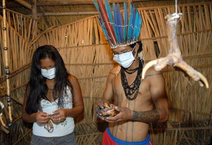 Des indiens d'Amazonie à Manaus, au Brésil, le 26 août 2009.