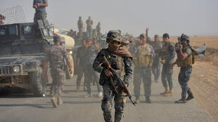 伊拉克军队在摩苏尔南部展开行动。2016-10-26
