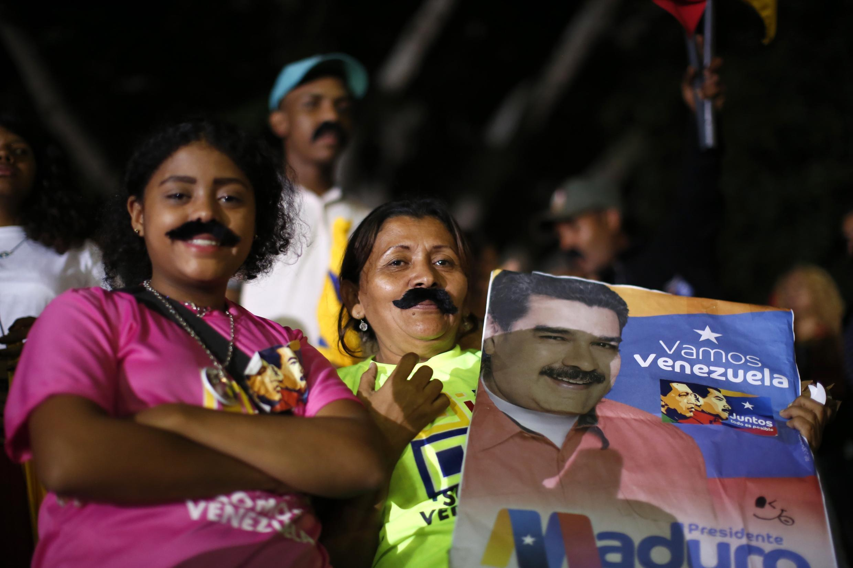 """""""نیکولاس مادورو""""، رئیس جمهوری ونزوئلا در رای گیری روز گذشته برای یک دوره شش ساله برای ریاست جمهوری این کشور نفت خیز انتخاب شد."""