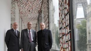 希拉克与凯布朗利博物馆建筑师让·努维尔和馆长斯特凡-马丁2011年6月6日