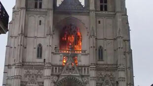 2020-07-18T092303Z_456843013_RC2KVH984WCW_RTRMADP_3_FRANCE-FIRE-NANTES-CATHEDRAL