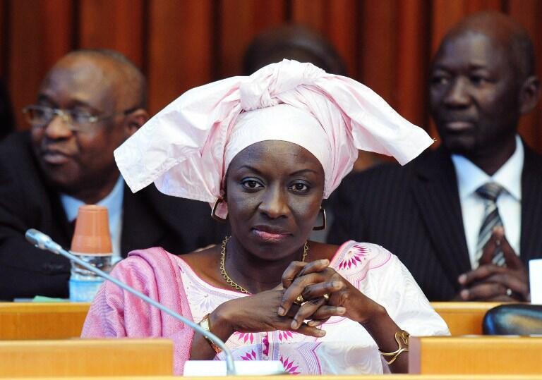Aminata Touré, la ministre de la Justice sénégalaise, le 19 décembre 2012 à Dakar, lors d'un débat au Parlement sur le procès d'Hissène Habré.