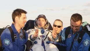 Thomas Pesquet de retour sur Terre après 6 mois passés dans la Station Internationale.