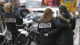 Polícia francesa por ocasião do assassínio da colega Clarissa Jean-Philippe, a 8 de janeirode 2015, em Montrouge, pelo terrorista Coulibaly