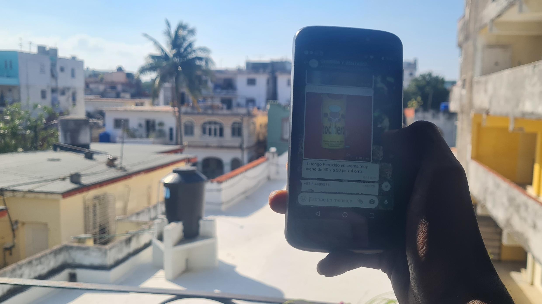 Pour faire face à la crise à Cuba, tout un marché noir s'organise sur les réseaux sociaux.