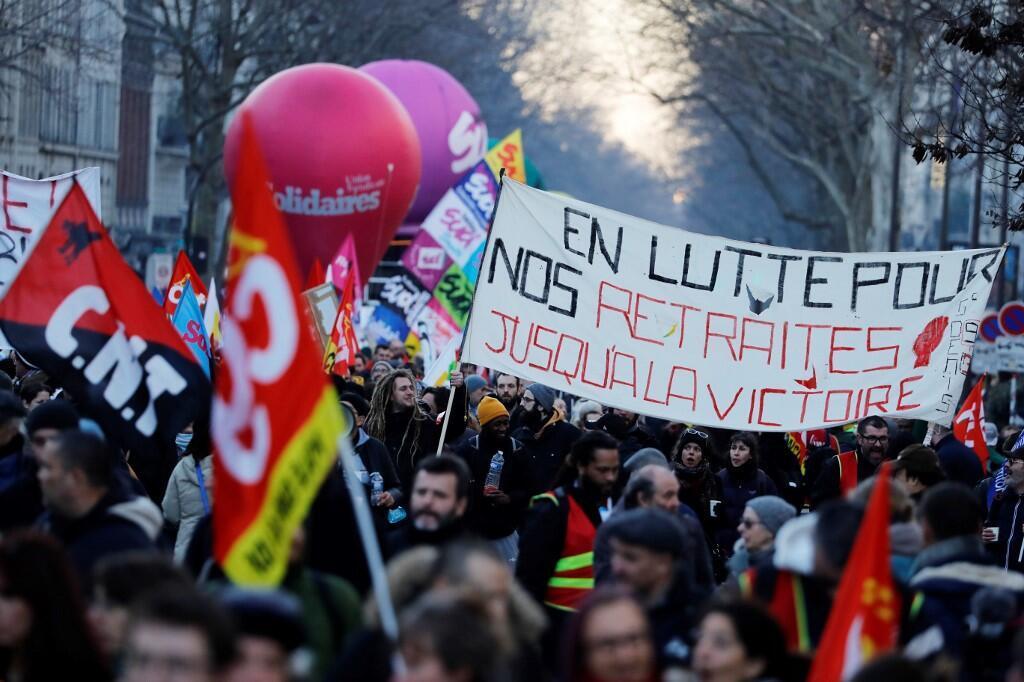 Emmanuelle Macron devrait profiter de ce rendez-vous avec les syndicats pour savoir jusqu'où il pourrait aller et à quelle échéance il pourrait relancer la réforme des retraites (Image d'illustration).