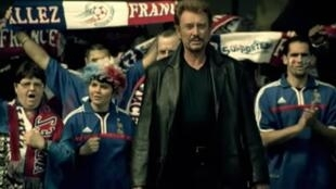 Captura de pantalla de 'Tous ensemble', Johnny Hallyday.