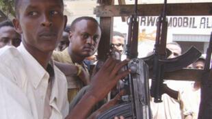 Le commerce des armes légères, principal facteur d'insécurité à Mogadiscio.