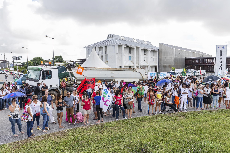 Primeiro dia de mobilização em Caiena, maior cidade da Guiana Francesa, na segunda-feira (27).