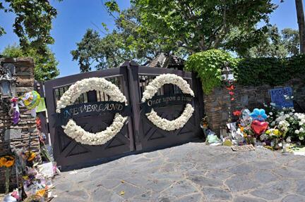 Lối vào chính trang trại Neverland, Californie.