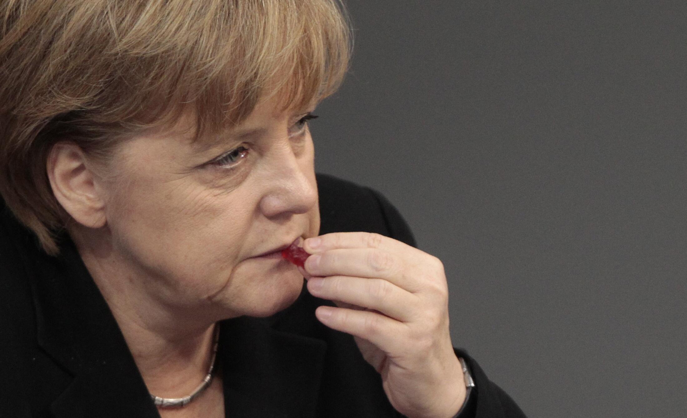 Angela Merkel es acusada de jugar a un doble juego en Europa.
