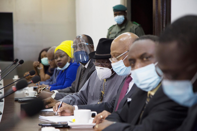 Ujumbe wa ECOWAS, ukiongozwa na rais wa zamani wa Nigeria Goodluck Jonathan, ulikutana na kundi la wanajeshi wanaoshikilia madaraka Mali Agosti 22.
