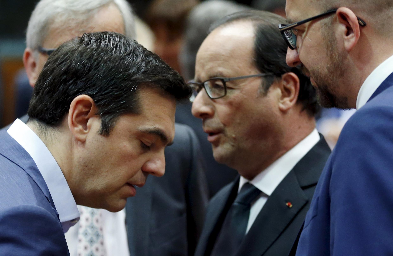 Премьер-министр Греции Алексис Ципрас и президент Франции Франсуа Олланд в Брюсселе, 12 июля 2015.