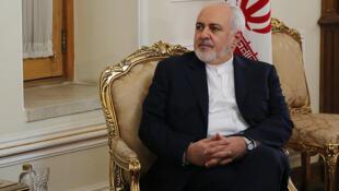 محمدجواد ظریف، در گفتگو با شبکه خبری ایبیسی، مدعی شد: آمریکا درگیر جنگی علیه ایران شده است.