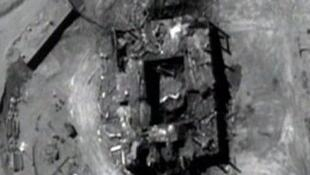 Nesta captura de vídeo, fornecida pelo governo americano, vemos a destruição do reator nuclear sírio de Al-Kibar em 6 de setembro de 2007.