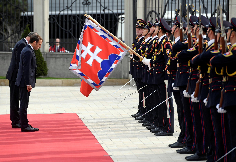 Le président français Emmanuel Macron est arrivé vendredi 26 octobre à Bratislava.