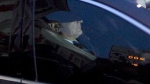 Dominique Strauss-Kahn fue inculpado la noche el lunes 26 de marzo de 2012 por 'proxenetismo en banda  organizada' por los jueces que ven el caso llamado del hotel Carlton de Lille (norte) y puesto bajo control judicial, indicaron sus abogados y el fiscal.