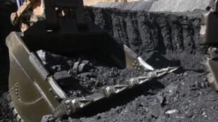 Emissão de títulos mineiros para exploração de carvão suspensa na província de Tete