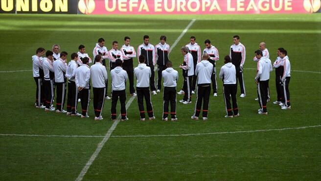 Benfica quer manter a vantagem conseguida na primeira mão contra o PAOK (1-0).