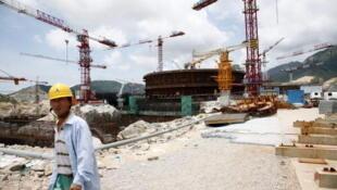 2010年资料图片,在建中的法中合资台山核电站。