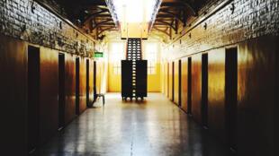 L'émission diffusée lundi 25 juillet par ABC montre des gardiens de prison en train de déshabiller les délinquants, parmi lesquels de nombreux aborigènes, et de les asperger de gaz lacrymogène. (Photo d'illustration)