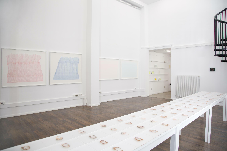 赵端在王柳飒艺廊 ( Galerie Liusa Wang ) 的个展 Cent titres ( 一百个标题 )现场