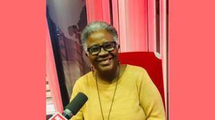 Évelyne Trouillot, écrivaine haïtienne en studio à RFI (novembre 2019).