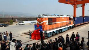 Le premier train en partance de Yiwu pour l'Europe a été inaugurée en novembre 2014.