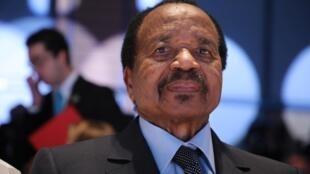 O Presidente dos Camarões, Paul Biya .