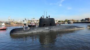 聖胡安潛艇2014年6月進入阿根廷首都海港的情景