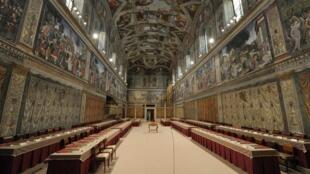 Capela Sistina, sede do Conclave que, a partir desta terça-feira, elegerá o sucessor de Bento XVI .