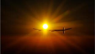Солнечный самолет Solar Impulse может лететь бесконечно долго.