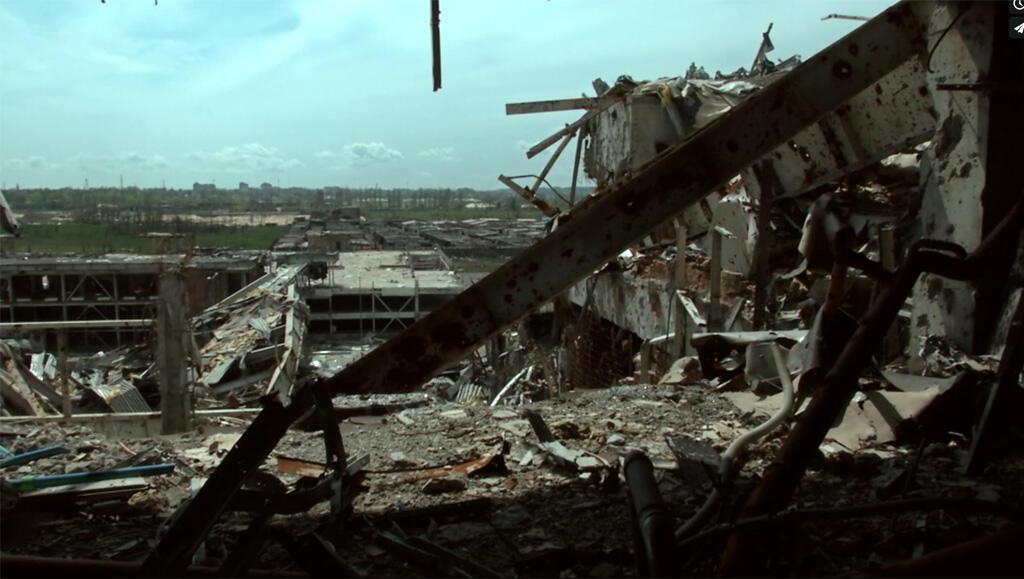 Кадр из фильма «Аэропорт Донецк»